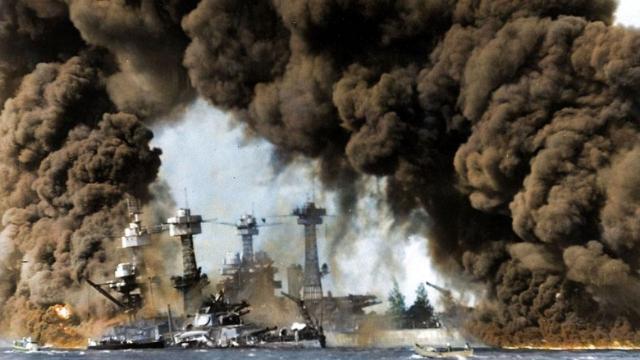 珍珠港事件,美国是真的演了一出戏,让航母躲出去的吗?