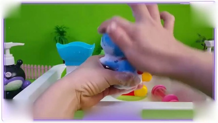 面包超人与小猪佩奇一起洗澡澡,蜡笔小新 跳跳鱼世界 超级玛丽