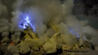 世界上最神秘的鬼火,游客深夜排队观看,掉下去是酸性最强的湖泊