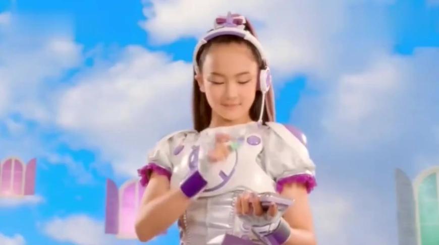 日版舞法天女:海边的烟花好漂亮啊,日本樱花节名不虚传