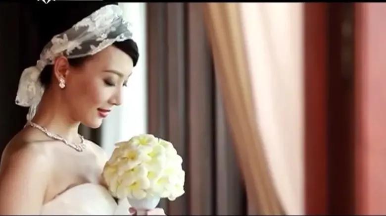 生活中的陈数,竟和钢琴家赵胤胤结婚了,她是对爱情奋不顾身的人