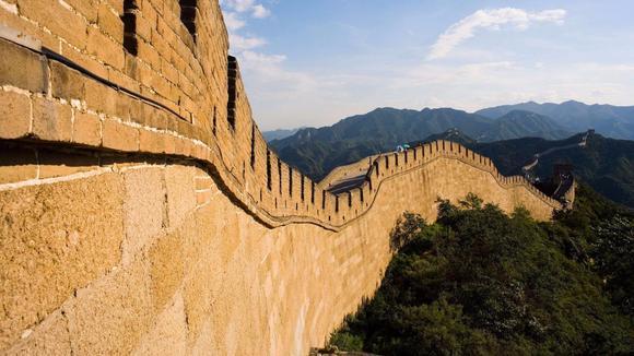如果现在重新建一座万里长城,要花多少钱?看完佩服秦始皇