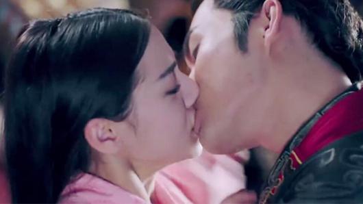 【秦时丽人明月心】曝MV 迪丽热巴张彬彬甜虐十八抱