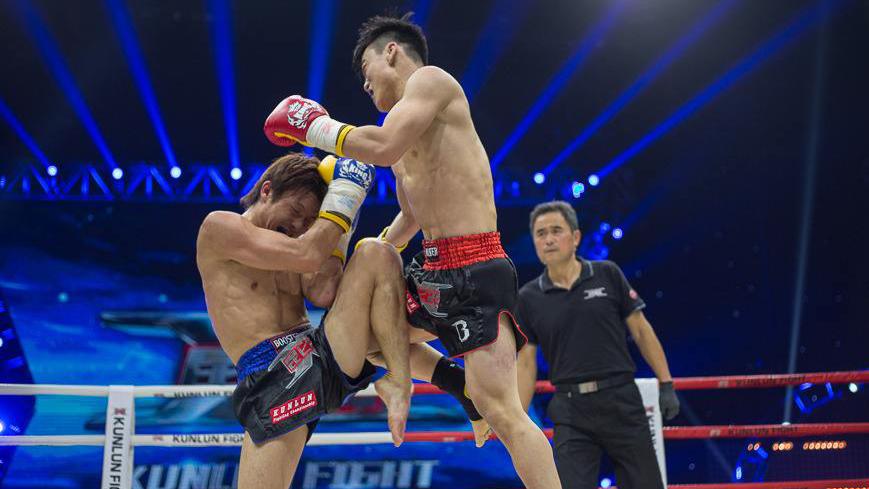 武林笼中对吴泽仅用十六秒TKO对手