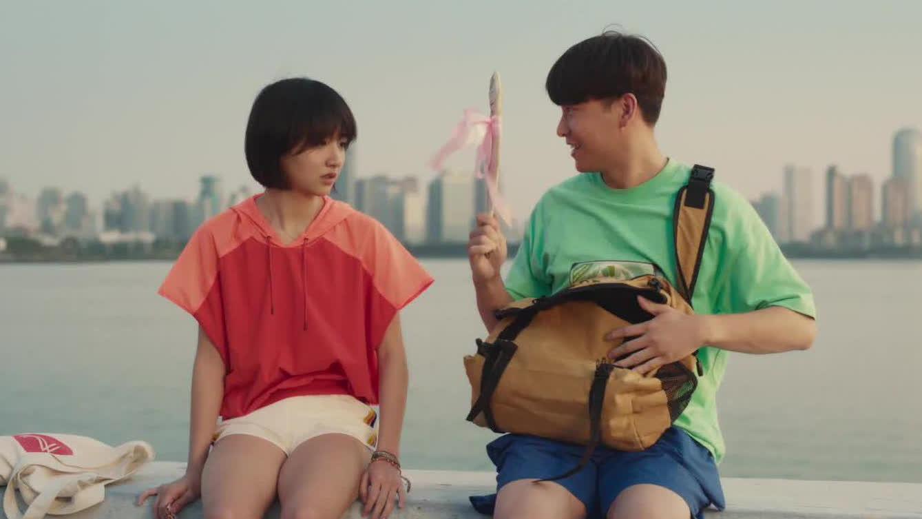 【燃野少年的天空】同名主题曲MV 百人齐舞点燃这个夏天