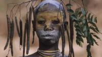 非洲仅存的原始部落,女性以兽皮为衣,男性以娶处女为耻