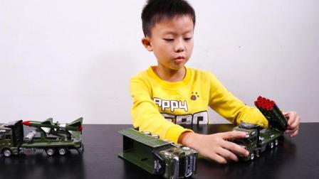 军事炮弹车玩具 一堆军人玩偶组建作战兵营