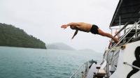 中国帆船公开赛-向海而生!实拍中国帆船赛跳海仪式