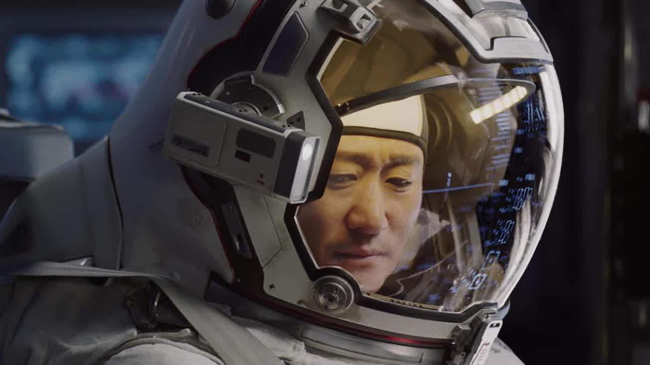 【流浪地球:飞跃2020特别版】上映 心怀希望收获感动