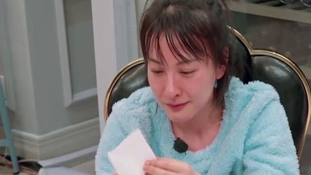吴昕醉后痛哭,直言不敢结婚生子,怕被《快乐大本营》换掉!
