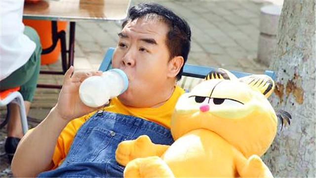 """【营救汪星人】曝""""母一号""""预告 博美""""天然大双美瞳""""萌翻人"""