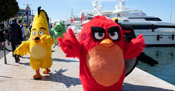 【愤怒的小鸟2】红鸟绿猪炸戛纳