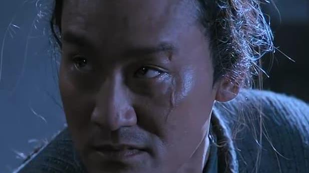 一部恶搞监狱风云的电影,梁家辉成典狱长,被刘德华耍的团团转